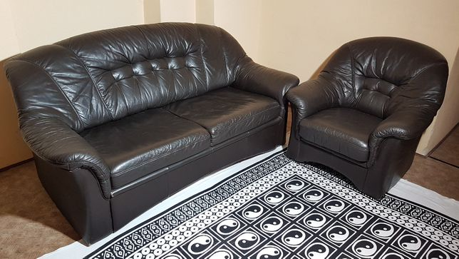 Komplet skórzany kanapa fotel i pufa brąz spanie