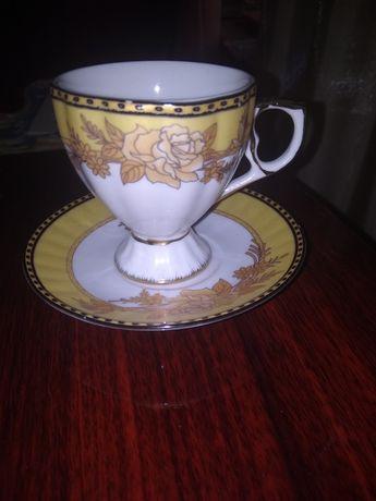 Оригинальные фарфоровые кофейные пары .