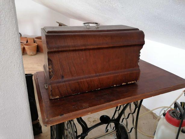 Máquina custura antiga Singer