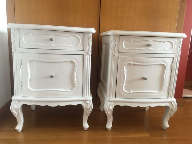 Conjunto mesinhas de cabeceira lacadas em branco