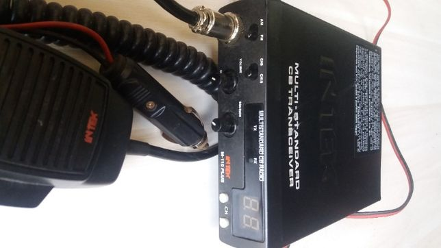 CB radio Intek M 110 Plus z anteną