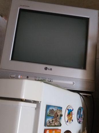 Телевизор  LG 15'