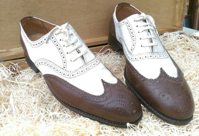 "Sapatos ""Oxford"" ano 1963"