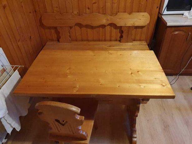 Drewniana ława kuchenna i stół