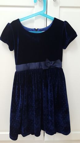 Aksamitna świąteczną sukienka 128