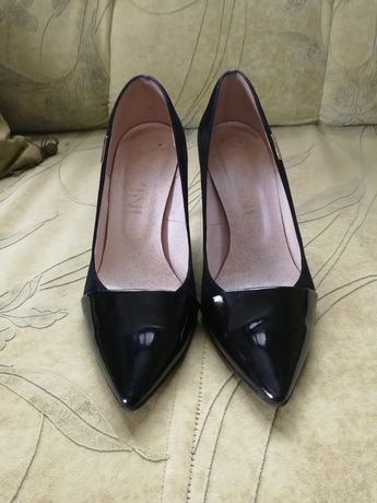 Туфлі жіночі чорні