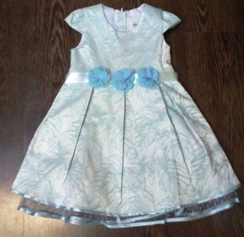 красивое платье на 3-4 года на рост 104 см