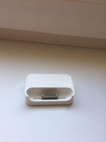 Зарядная док станция для iPhone 4/4S