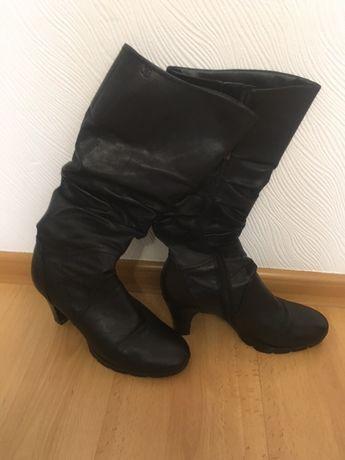 Кожаные демисезонные сапоги чоботи Caprice, размер 38,5