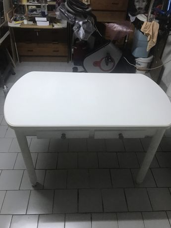 Mesa cozinha lacada a branco + 4 cadeiras