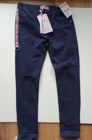 Nowe spodnie rurki 134
