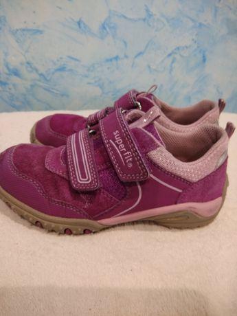 Кроссовки кожаные детские для девочки на липучках Superfit 29р