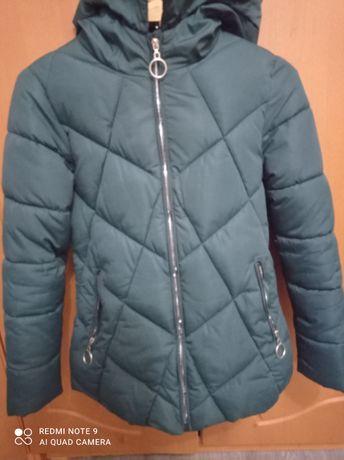 Курточка женская зимняя