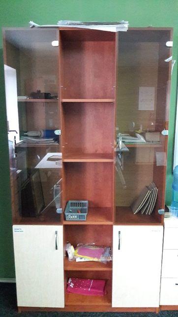 Книжный шкаф, сервант.