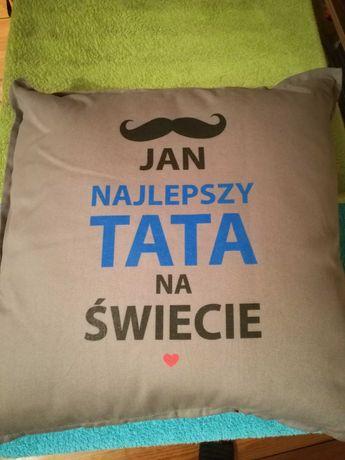 Poduszka dekoracyjna z napisem najlepszy tata Jan