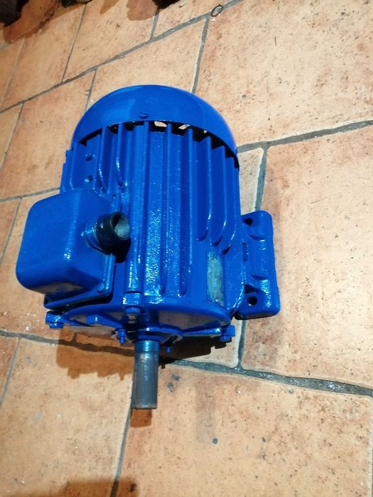 Silnik elektryczny 3kW 1430obr Radostowice - image 1