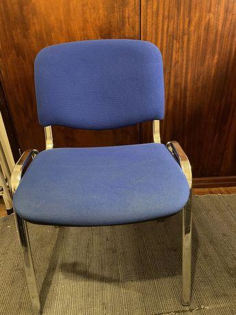 Cadeira de Tecido Azul