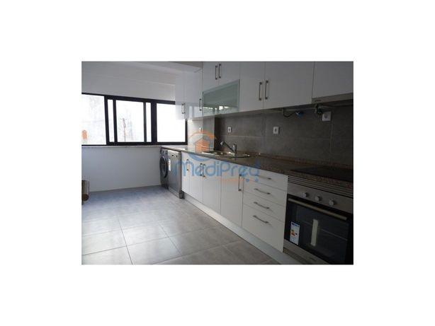 Apartamento T2 TOTALMENTE REMODELADO, em Póvoa de Santo A...