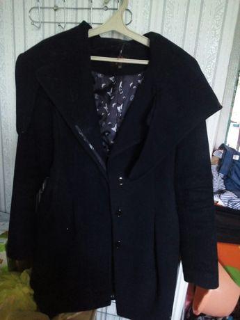 Пальто на дівчину