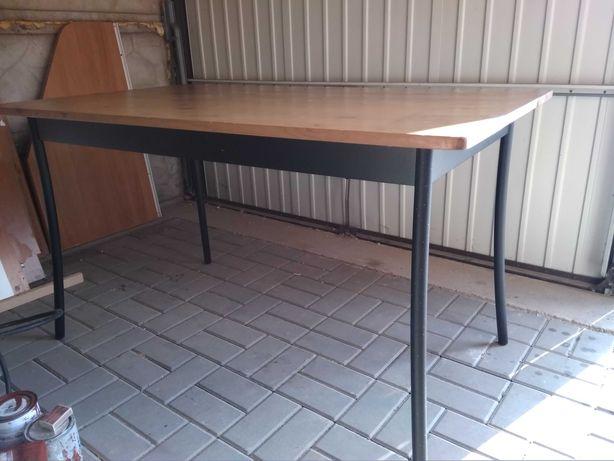 Stół IKEA,  Rower,  Okap kuchenny Amica