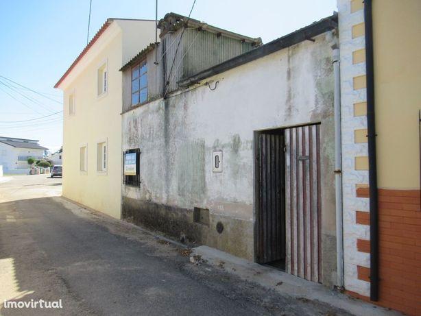 Moradia M2 para remodelar, Póvoa do Paço, Águeda