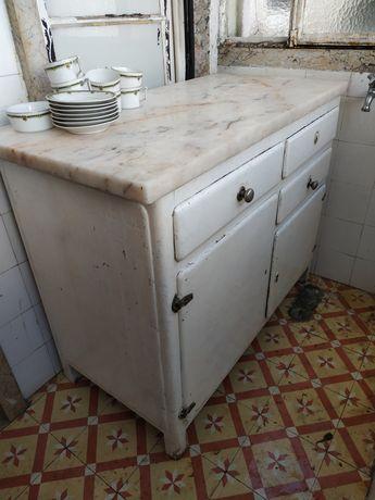 movel de cozinha com tampo de marmore
