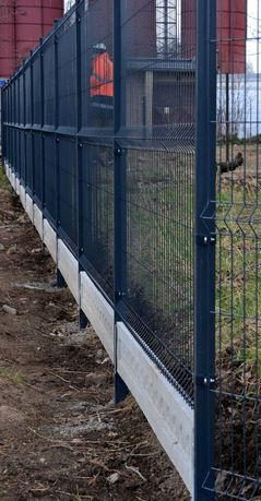 Podmurówka betonowa -panel ogrodzeniowy fi4 -siatki -słupki-DZIERŻONÓW