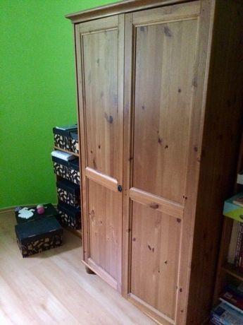 Drewniana szafa z Ikei