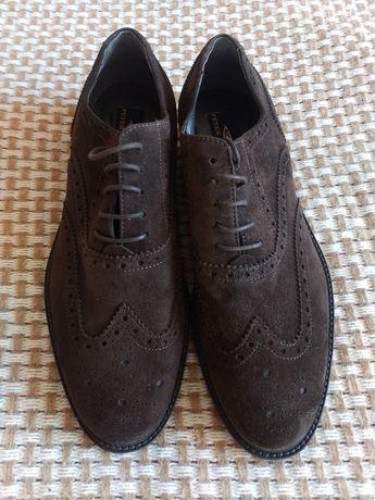 Чоловіче взуття, розмір 43,нові .