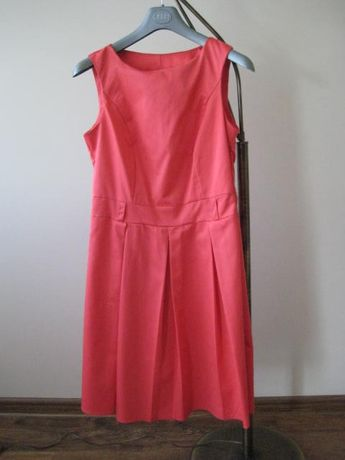 Sprzedam śliczna sukienę rozmiar 38 kolor łosoś