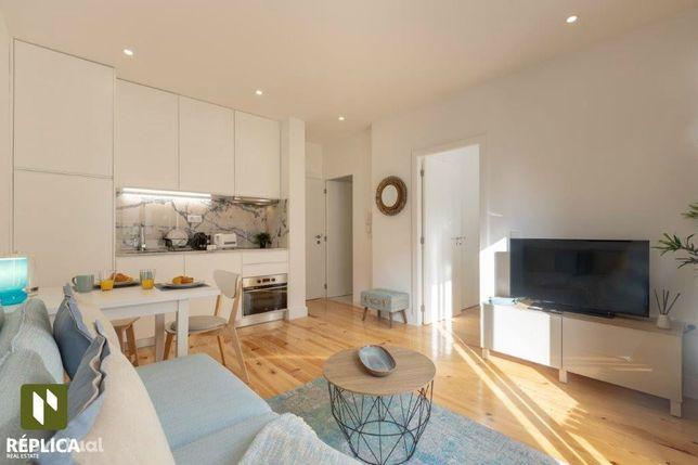 Apartamento T1 Mobilado e Equipado, c/ licença de AL - Baixa do Porto