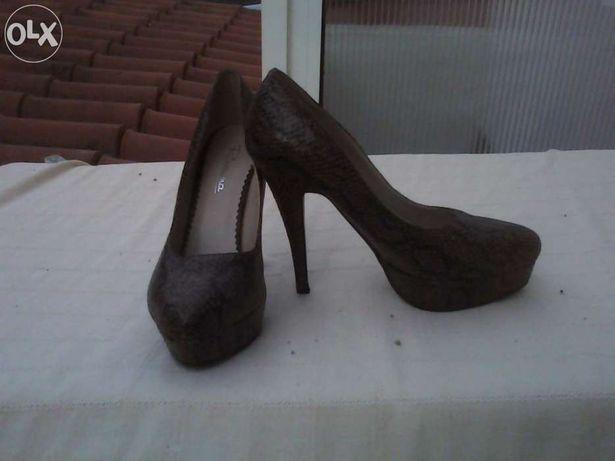 Sapato salto alto W52