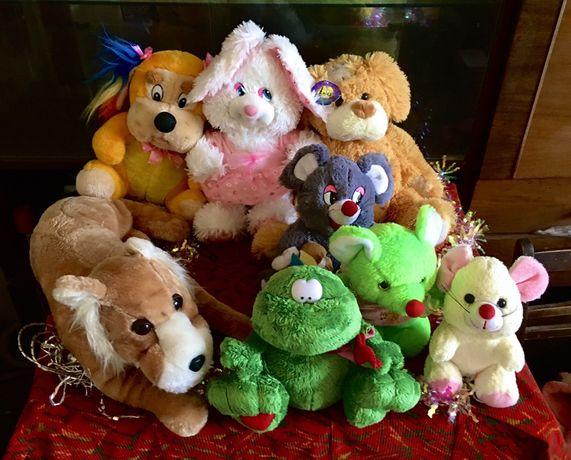 Красивые и приятные мягкие игрушки в идеальном состоянии