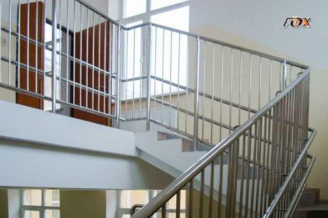 Перила из нержавеющей стали, нержавейки. Ограждения и лестницы.