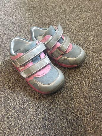 Кроссовки ( ботиночки) Red But 22 размер