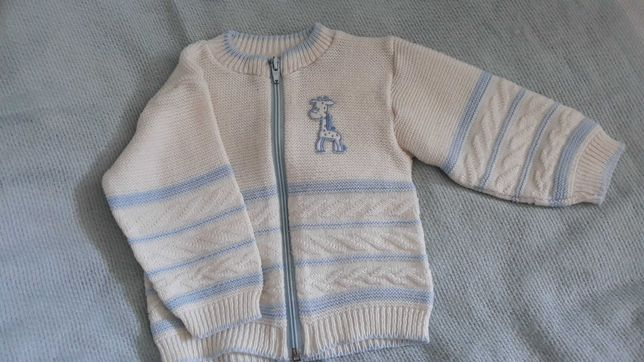 Kremowo niebieski sweterek