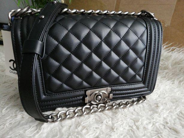Piękna torebka kopertówka Chanel boy boyfriend czarna pikowana medium