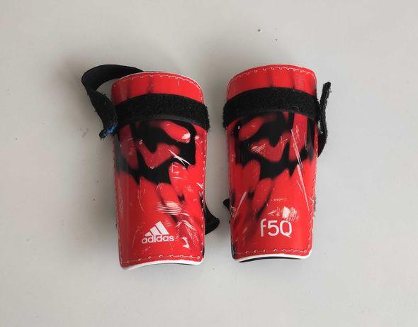 Ochraniacze piłkarskie Adidas dla chłopca 5-8 lat