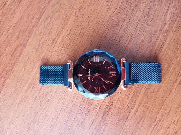 Продам новий годиник