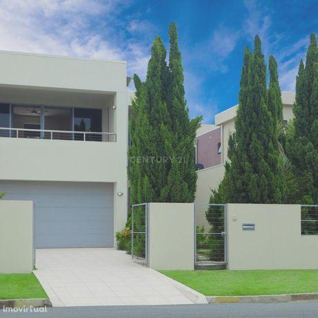 Sonha construir uma casa a sua medida? Aproveite este Terreno rústico,