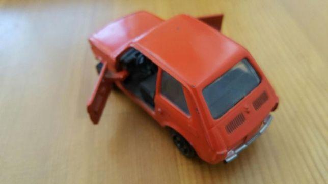 Zabawka PRL Fiat 126p