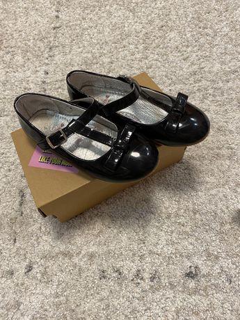 Туфли для девочки размер 30