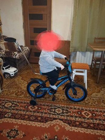 Продам велосипед двухколесный, в идеальном состоянии . От 2 -5 лет !!!