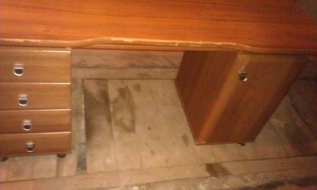 Компьютерный стол коричневый