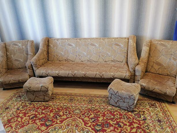 Мягий уголок (набор мебели)