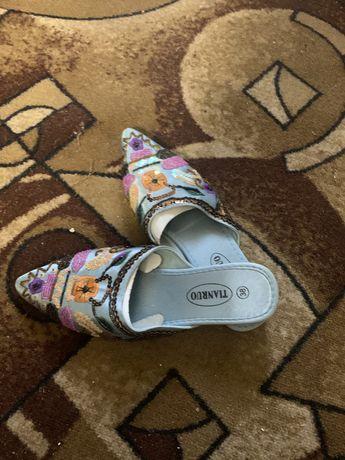 Женские летние туфли(тапочки).Tianruo