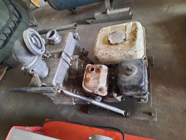 Pompa perystaltyczna membranowa .silnik spalinowy .faktura .