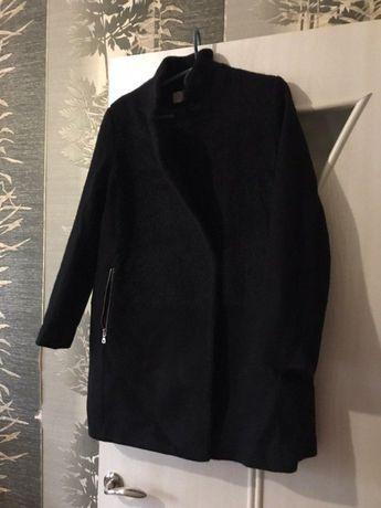 Пальто черное