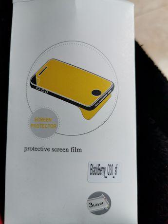 Защитная плёнка и чехол blackberry q30