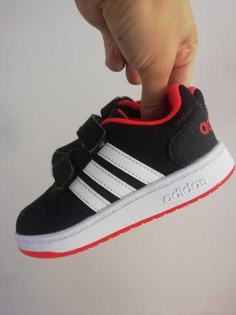 Adidas buty chłopięce 25